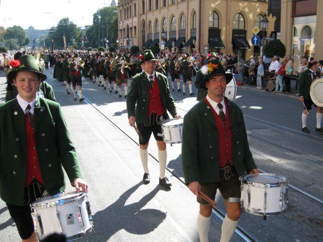 Oktoberfest Trachten- und Schützenfestzug 2007